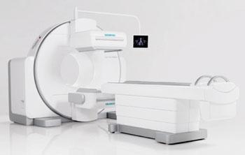 Imagen: El sistema Symbia Intevo xSPECT para SPECT/CT (Fotografía cortesía de Siemens Healthcare).