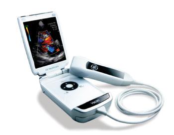 Imagen: El dispositivo de mano para ultrasonido Vscan (Fotografía cortesía de GE Healthcare).