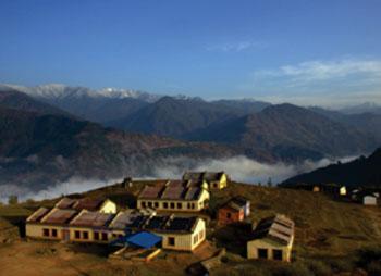 Imagen: El Hospital Bayalpata en el Nepal rural (Fotografía cortesía de Nyaya Health Blog).